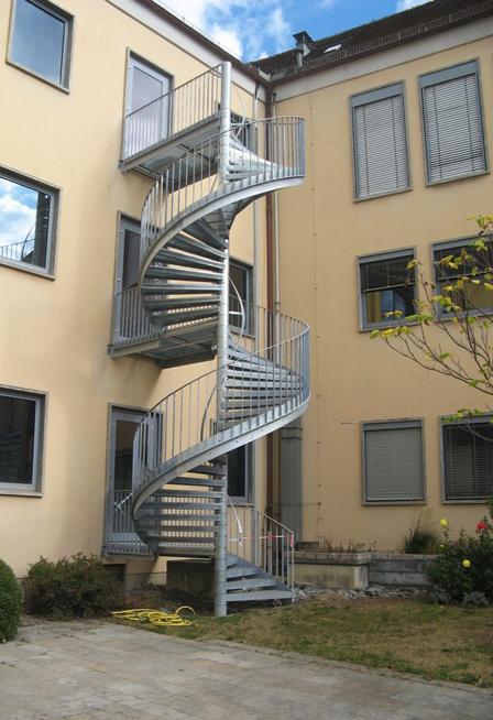 Neubau Fluchttreppe am Landratsamt Main-Spessart in Karlstadt